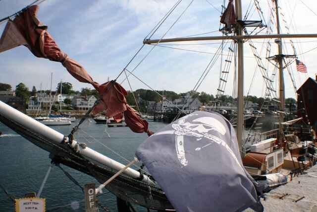 piratskij-korabl-